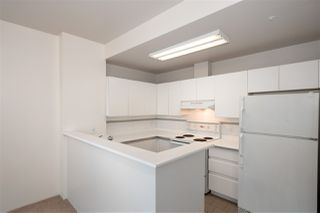 "Photo 6: 810 989 NELSON Street in Vancouver: Downtown VW Condo for sale in ""ELECTRA"" (Vancouver West)  : MLS®# R2409945"