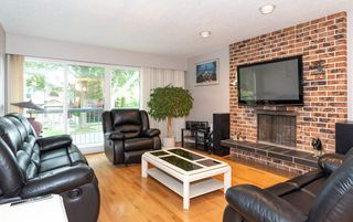 Photo 7: 4105 CAMBRIDGE Street in Burnaby: Vancouver Heights House for sale (Burnaby North)  : MLS®# R2412305