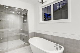 Photo 19: 2627 LIONEL Crescent SW in Calgary: Lakeview Detached for sale : MLS®# C4292541