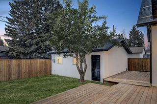 Photo 33: 2627 LIONEL Crescent SW in Calgary: Lakeview Detached for sale : MLS®# C4292541