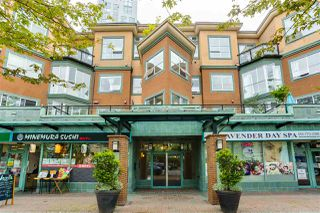 "Main Photo: 309 131 W 3RD Street in North Vancouver: Lower Lonsdale Condo for sale in ""Seascape Landing"" : MLS®# R2458365"