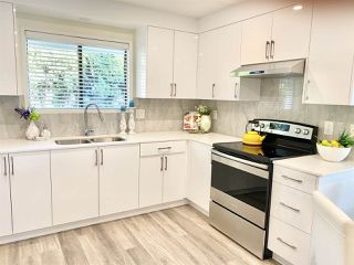 Photo 14: 1660 145 Street in Surrey: Sunnyside Park Surrey House for sale (South Surrey White Rock)  : MLS®# R2475454