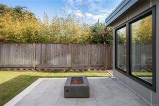 Photo 37: 2413 Mowat St in : OB Henderson Single Family Detached for sale (Oak Bay)  : MLS®# 850632