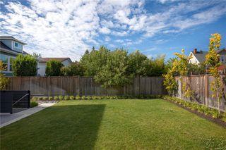 Photo 38: 2413 Mowat St in : OB Henderson Single Family Detached for sale (Oak Bay)  : MLS®# 850632