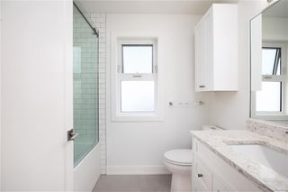 Photo 24: 2413 Mowat St in : OB Henderson Single Family Detached for sale (Oak Bay)  : MLS®# 850632