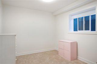 Photo 31: 2413 Mowat St in : OB Henderson Single Family Detached for sale (Oak Bay)  : MLS®# 850632