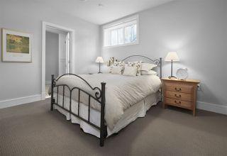 Photo 33: 1086 WANYANDI Way in Edmonton: Zone 22 House for sale : MLS®# E4222026