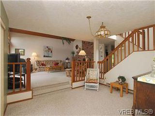 Photo 5: 10796 Madrona Drive in NORTH SAANICH: NS Deep Cove Single Family Detached for sale (North Saanich)  : MLS®# 295112