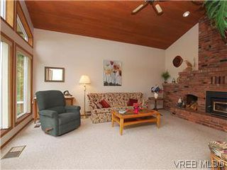 Photo 4: 10796 Madrona Drive in NORTH SAANICH: NS Deep Cove Single Family Detached for sale (North Saanich)  : MLS®# 295112