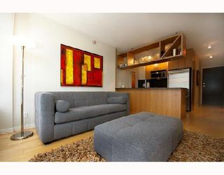 """Photo 1: 1901 1010 RICHARDS Street in Vancouver: Downtown VW Condo for sale in """"GALLERY"""" (Vancouver West)  : MLS®# V670409"""