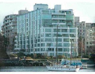 """Photo 1: 456 MOBERLY Road in Vancouver: False Creek Condo for sale in """"PACIFIC COVE"""" (Vancouver West)  : MLS®# V631971"""