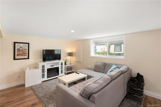 Photo 25: 2715 Forbes St in Victoria: Vi Oaklands Single Family Detached for sale : MLS®# 842827