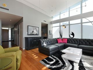Photo 3: 614 68 Songhees Rd in Victoria: VW Songhees Condo for sale (Victoria West)  : MLS®# 844845