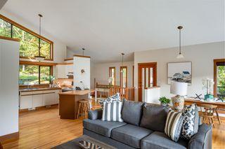 Photo 9: 685 Lost Lake Rd in : Hi Western Highlands House for sale (Highlands)  : MLS®# 855615