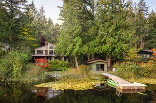 Photo 1: 685 Lost Lake Rd in : Hi Western Highlands House for sale (Highlands)  : MLS®# 855615