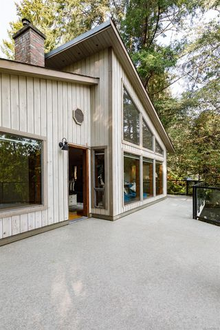 Photo 11: 685 Lost Lake Rd in : Hi Western Highlands House for sale (Highlands)  : MLS®# 855615