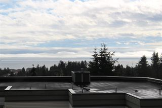 "Photo 2: 4 5780 TRAIL Avenue in Sechelt: Sechelt District Condo for sale in ""TRADEWINDS"" (Sunshine Coast)  : MLS®# R2509684"