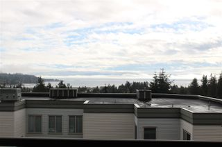 "Photo 3: 4 5780 TRAIL Avenue in Sechelt: Sechelt District Condo for sale in ""TRADEWINDS"" (Sunshine Coast)  : MLS®# R2509684"