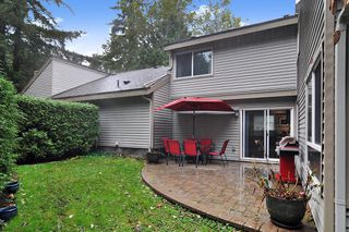 """Photo 15: 6279 W GREENSIDE Drive in Surrey: Cloverdale BC Townhouse for sale in """"GREENSIDE ESTATES"""" (Cloverdale)  : MLS®# R2509457"""