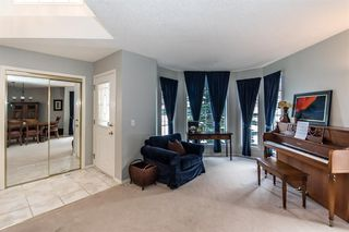 Photo 5: 81 Strathridge Close SW in Calgary: Strathcona Park Detached for sale : MLS®# A1051210