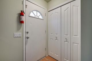 Photo 2: 43 Doverdale Mews SE in Calgary: Dover Row/Townhouse for sale : MLS®# A1052608