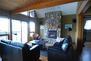 Photo 2: 6877 Mark Lane in Victoria: Residential for sale : MLS®# 274997