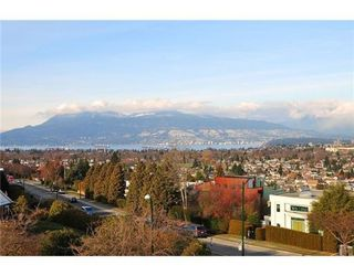 Photo 3: 2920 W 27TH AV in Vancouver: House for sale : MLS®# V870598