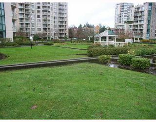 "Photo 7: 806 1190 PIPELINE Road in Coquitlam: North Coquitlam Condo for sale in ""THE MACKENZIE"" : MLS®# V680812"