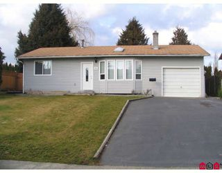 Photo 5: 26871 33A Avenue in Langley: Aldergrove Langley House for sale : MLS®# F2804928