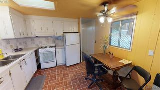 Photo 6: Cheap Mobile Home For Sale  |  4-1201 Craigflower Road