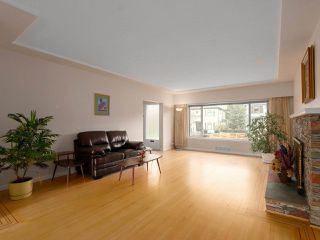 Photo 11: 4443 BRAKENRIDGE STREET in Vancouver: Quilchena House for sale (Vancouver West)  : MLS®# R2436492