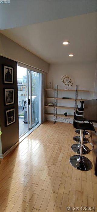Photo 12: 302 1721 Quadra Street in VICTORIA: Vi Central Park Condo Apartment for sale (Victoria)  : MLS®# 423954