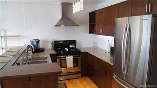 Photo 3: 302 1721 Quadra Street in VICTORIA: Vi Central Park Condo Apartment for sale (Victoria)  : MLS®# 423954