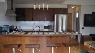 Photo 18: 302 1721 Quadra Street in VICTORIA: Vi Central Park Condo Apartment for sale (Victoria)  : MLS®# 423954