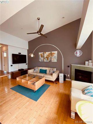 Photo 27: 302 1721 Quadra St in VICTORIA: Vi Central Park Condo Apartment for sale (Victoria)  : MLS®# 837254