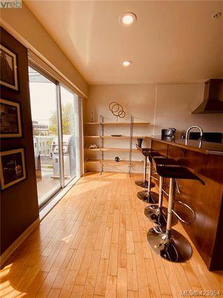 Photo 37: 302 1721 Quadra Street in VICTORIA: Vi Central Park Condo Apartment for sale (Victoria)  : MLS®# 423954