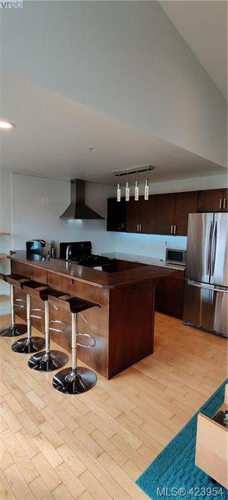 Photo 11: 302 1721 Quadra Street in VICTORIA: Vi Central Park Condo Apartment for sale (Victoria)  : MLS®# 423954