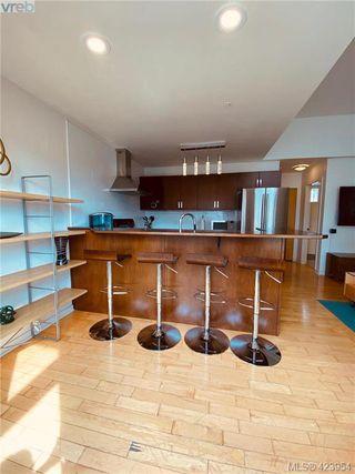 Photo 34: 302 1721 Quadra Street in VICTORIA: Vi Central Park Condo Apartment for sale (Victoria)  : MLS®# 423954