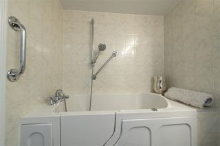 Photo 11: 1604 1850 COMOX STREET in Vancouver: West End VW Condo  (Vancouver West)  : MLS®# R2421108