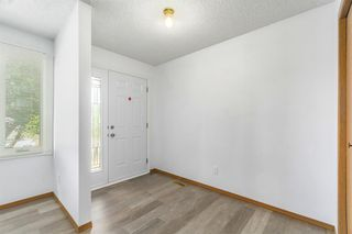 Photo 4: 123 WHITWORTH Way NE in Calgary: Whitehorn Semi Detached for sale : MLS®# A1024408