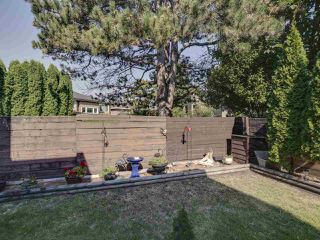 """Photo 27: 44 6871 FRANCIS Road in Richmond: Woodwards Townhouse for sale in """"Timberwood Village"""" : MLS®# R2495957"""