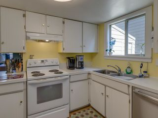 """Photo 5: 44 6871 FRANCIS Road in Richmond: Woodwards Townhouse for sale in """"Timberwood Village"""" : MLS®# R2495957"""