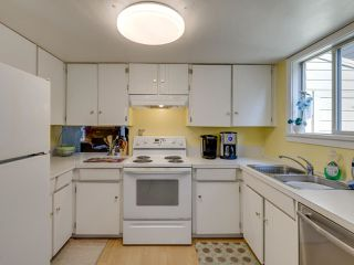 """Photo 4: 44 6871 FRANCIS Road in Richmond: Woodwards Townhouse for sale in """"Timberwood Village"""" : MLS®# R2495957"""