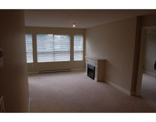 Photo 5: # 106 19677 MEADOW GARDEN WY in Pitt Meadows: North Meadows Condo for sale : MLS®# V664068