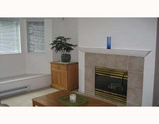"""Photo 3: 112 3738 NORFOLK Street in Burnaby: Central BN Condo for sale in """"WINCHELSEA"""" (Burnaby North)  : MLS®# V676965"""