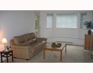 """Photo 2: 112 3738 NORFOLK Street in Burnaby: Central BN Condo for sale in """"WINCHELSEA"""" (Burnaby North)  : MLS®# V676965"""