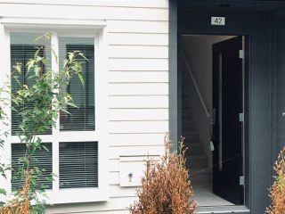 Photo 3: 42 15828 27 Avenue in Surrey: Grandview Surrey Townhouse for sale (South Surrey White Rock)  : MLS®# R2389918