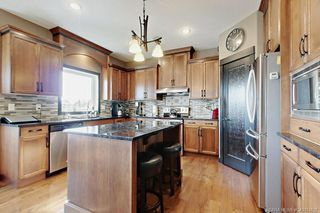 Photo 5: 33 Sisson Avenue in Red Deer: Sunnybrook South Residential for sale : MLS®# CA0174657