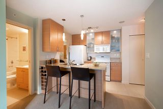 "Photo 11: 710 928 HOMER Street in Vancouver: Yaletown Condo for sale in ""YALETOWN PARK 1"" (Vancouver West)  : MLS®# R2429120"
