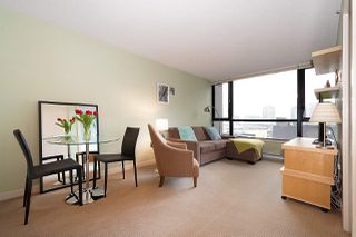 "Photo 4: 710 928 HOMER Street in Vancouver: Yaletown Condo for sale in ""YALETOWN PARK 1"" (Vancouver West)  : MLS®# R2429120"
